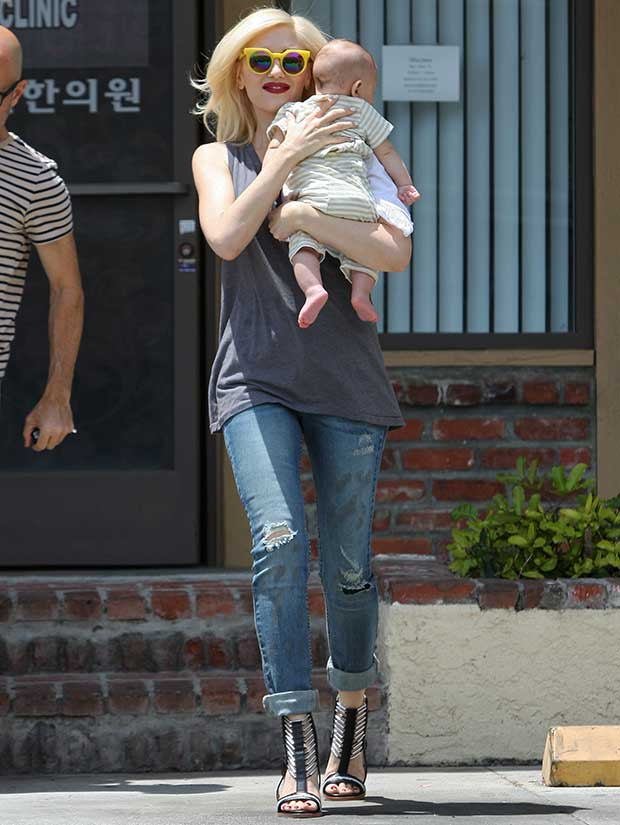 344cb94ca8687 Gwen Stefani Visits Acupuncture Clinic in L.A.M.B.