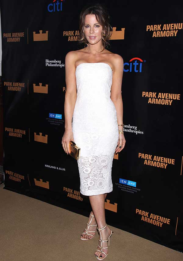 Kate Beckinsale was a stunner in a fitted white strapless dress from Monique Lhuillier's Spring 2014 collection