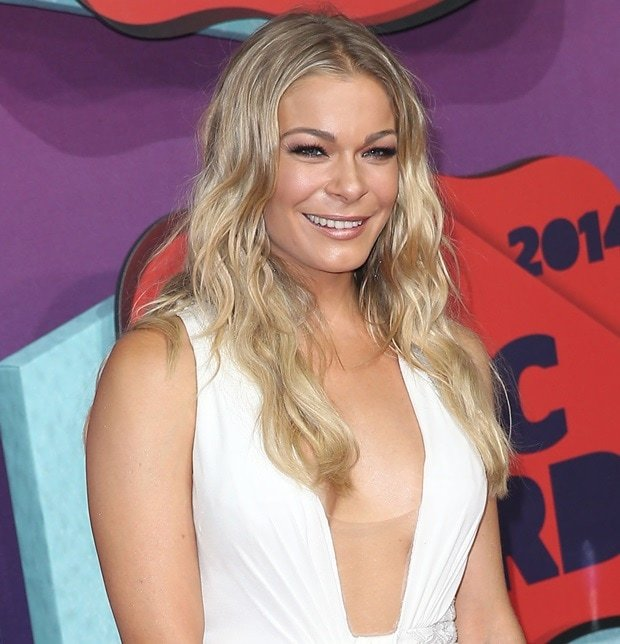 LeAnn Rimes accessorized with H. Stern jewelry