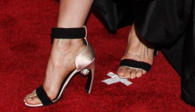 Lucy Liu's feet inSwarovski-embellished sandals by Nicholas Kirkwood