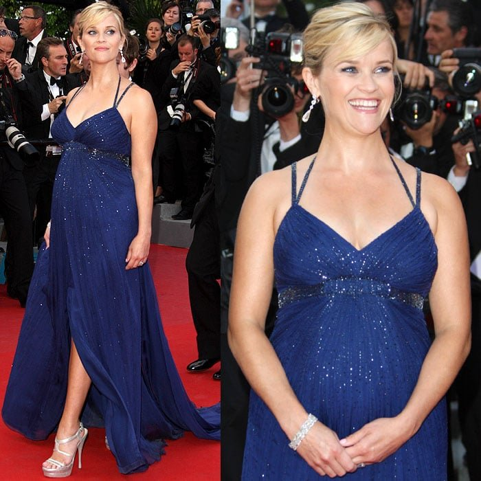 Reese Witherspoon made walking on the red carpet in Versace platform sandals while pregnant look graceful