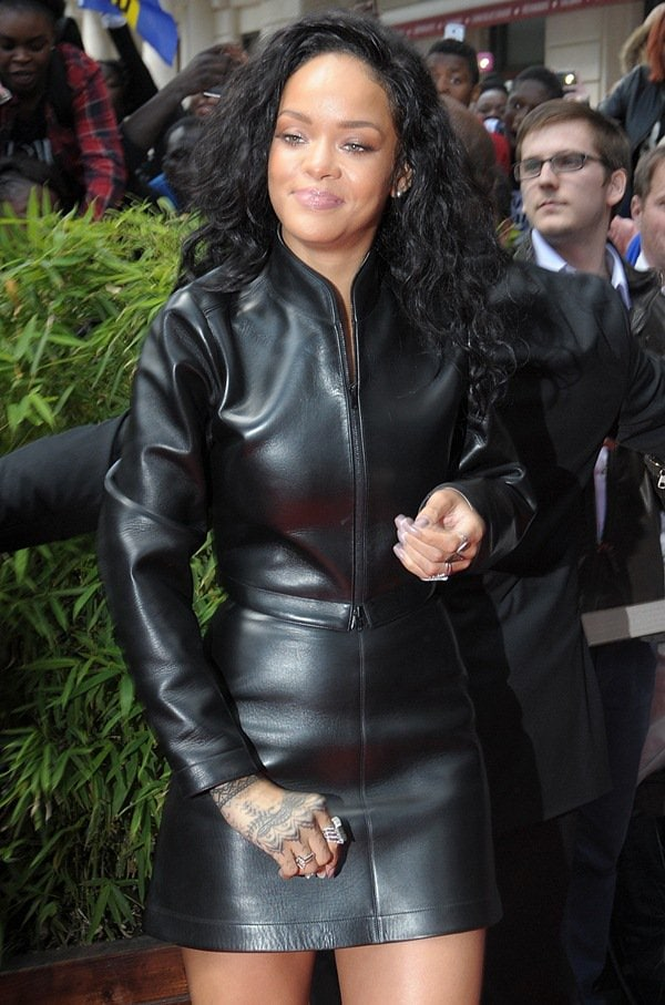 Rihanna'suber-fierce leather look