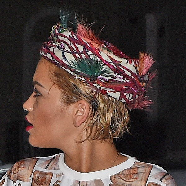 Rita Oradonned a feathered headscarf, which very much resembled a bird's nest