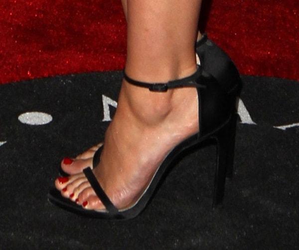 Sophia Bush's sexy toes inNudist sandals