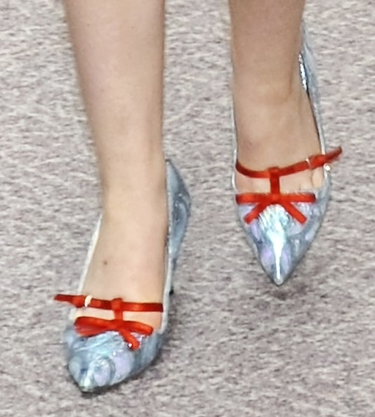 A closer look at Elle's playful and pointy pumps