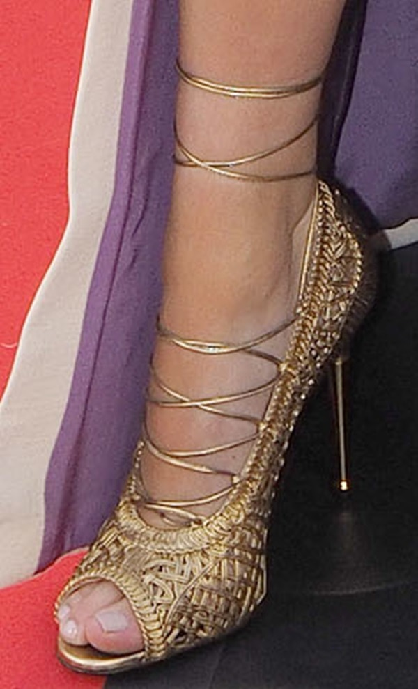 A closer look at Kendall's Tom Ford lace-up pumps
