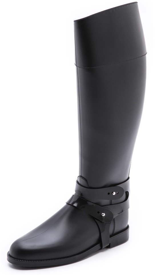 An asymmetrical top line and optional harness lend equestrian style to sophisticated Sloosh Italy rain boots