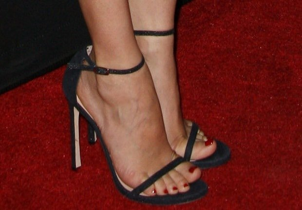 "Diane Kruger's sexy feet in navy Stuart Weitzman ""Nudist"" sandals"