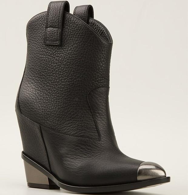 Giuseppe-Zanotti-contrast-toe-cap-boots