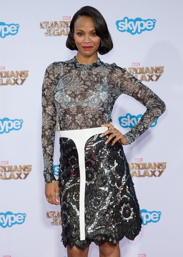 Zoe Saldana's edgy lace frock was accented with a white belt detail that added a modern element to the dress
