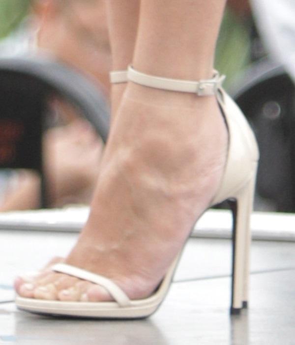 Chrissy Teigen's Saint Laurent sandals were the perfect finish to the ensemble