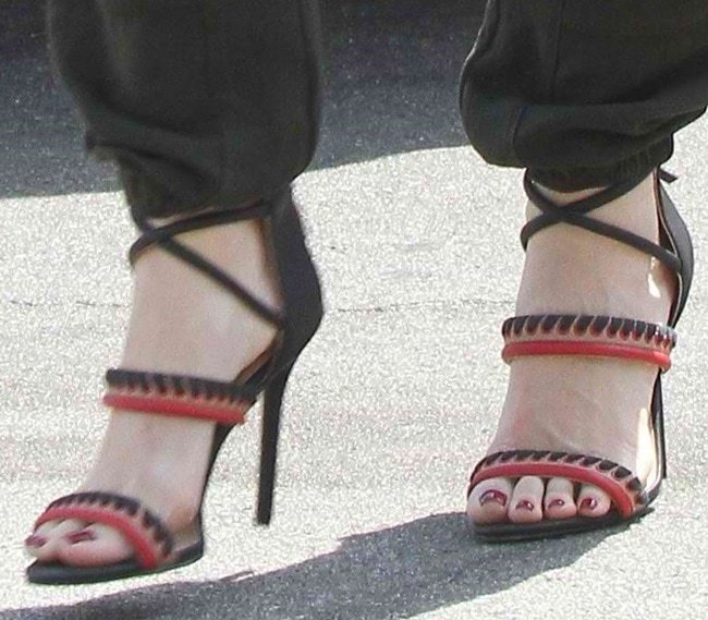 Gwen Stefani in GX by Gwen Stefani Takara sandals