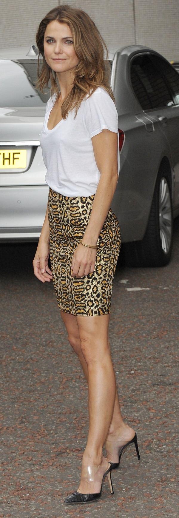 Keri Russell's daytime outfit consisted of a Saint Laurent leopard-print pencil skirt, a white tee, and Gianvito Rossi pumps