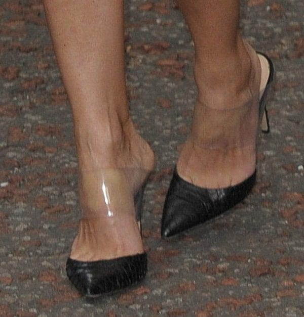 Keri Russell's feet inGianvito Rossi open-back pumps