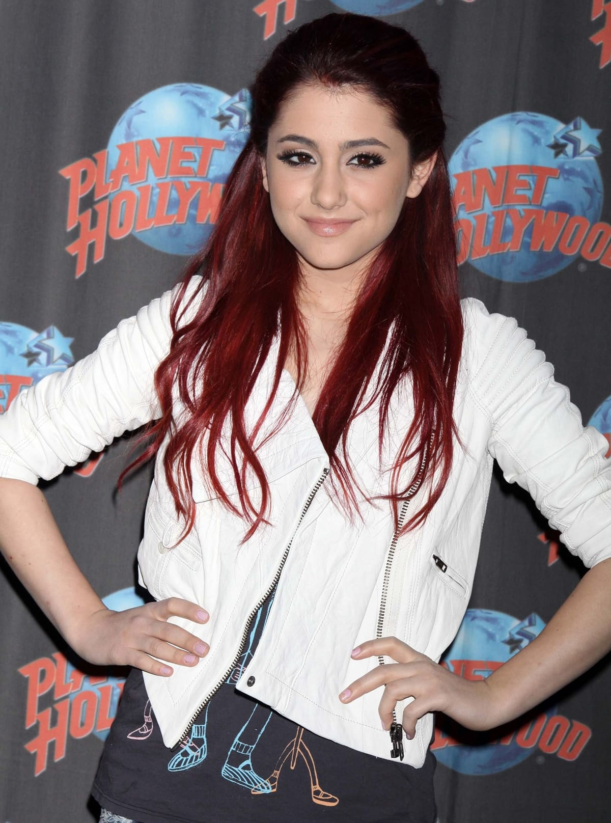 """Ariana Grande promotes Nickelodeon's """"Victorious"""" at Planet Hollywood Times Square"""