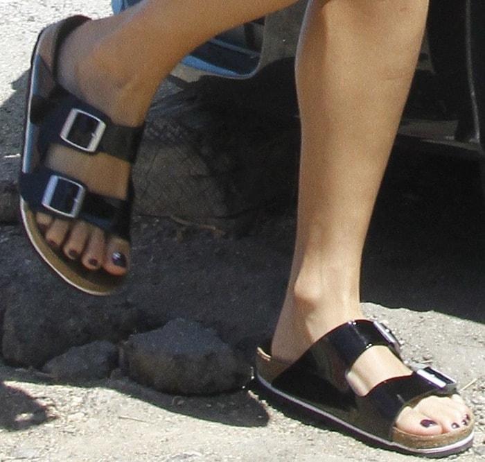 Vanessa Hudgens shows off her feet inBetula by Birkenstock Boogie flat sandals