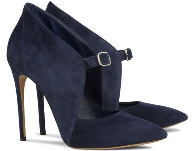 Casadei Bianca Pumps in Dark Blue