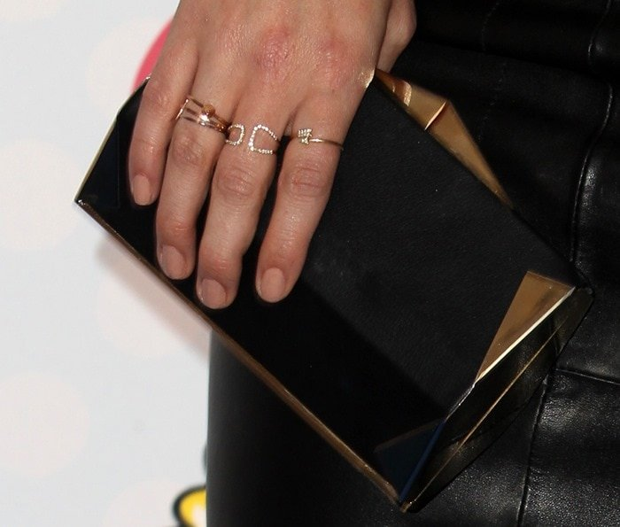 Hilary Duff showing off her Sydney Evan rings at Fox's 2014 Teen Choice Awards