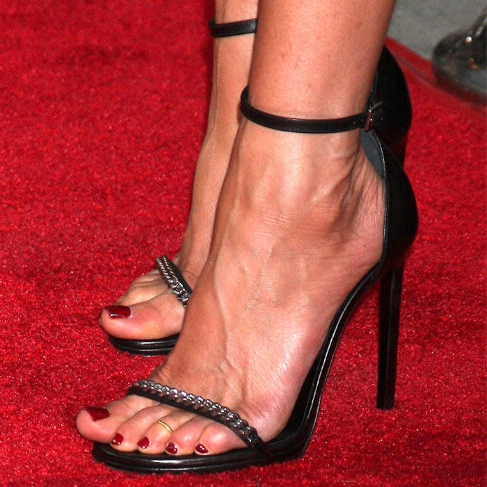 Jennifer Aniston showing off her toe ring