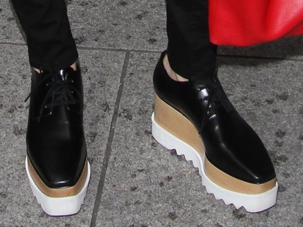 Jessie J wearing Stella McCartney platform oxfords