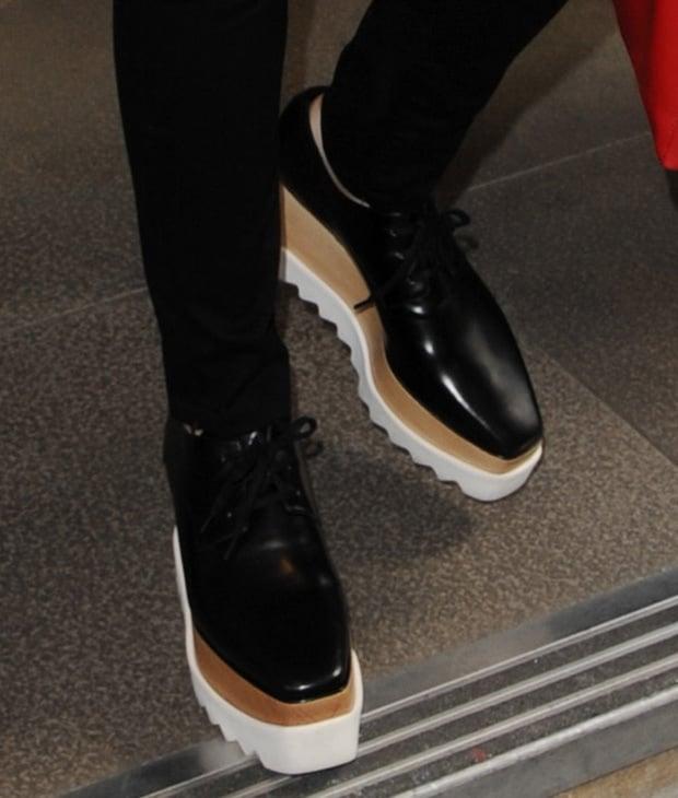 Jessie J in Stella McCartney platform oxfords featuring shark-tooth rubber soles