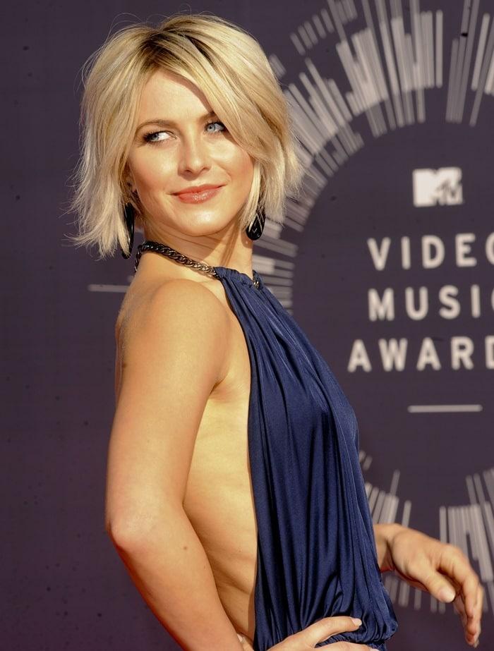 Julianne Hough atthe 2014 MTV Video Music Awards