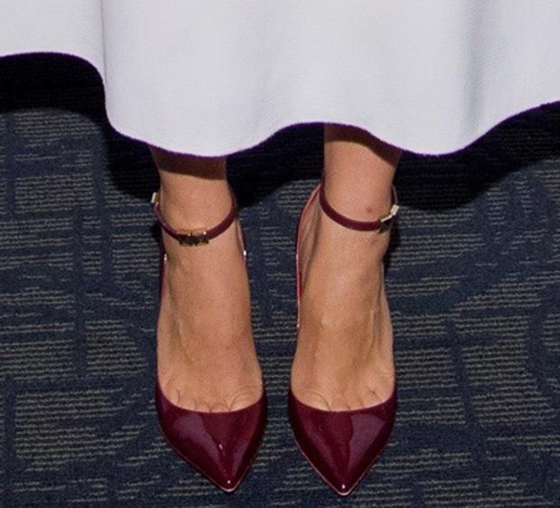Maggie Gyllenhaal wearing Valentino pumps