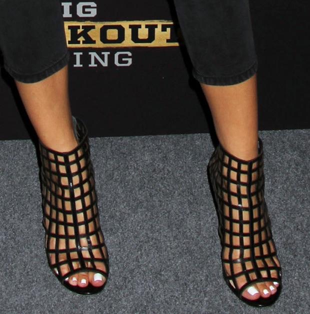 Maria Menounos wearing Carolinna Espinosa caged sandals