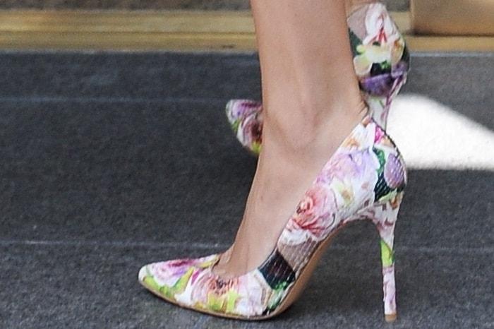 Naya Rivera shows off her feet infloral Stuart Weitzman Nouveau pumps
