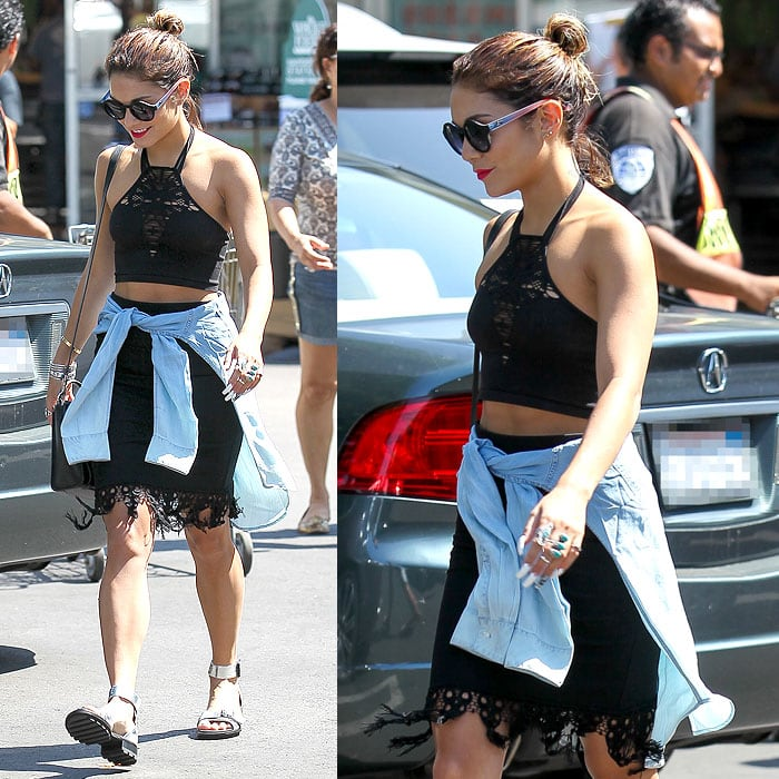 Aside from her trendsetting style, Vanessa also flaunted her sculpted arms on that grocery run