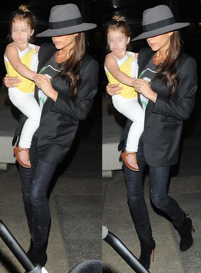 Victoria Beckham rocked blackcropped low-rise Kate skinny jeans by R13