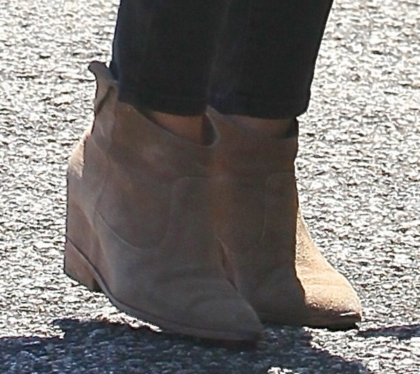 "Hilary Duff wearing tan BELLE by Sigerson Morrison ""Kyeran"" boots"