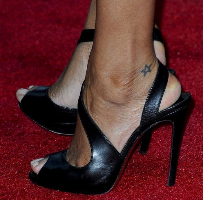 Zoe Saldana's feet inChristian Louboutin Viveka sandals