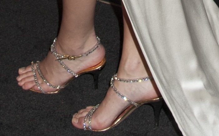 Kendall Jenner'ssparkling silver sandals at theHarper's BazaarCelebrates Icons by Carine Roitfeld event