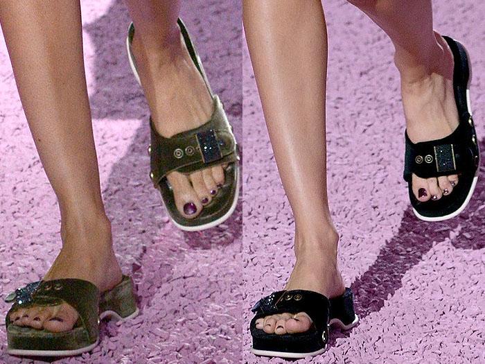 Marc Jacobs spring 2015 buckled slide sandals