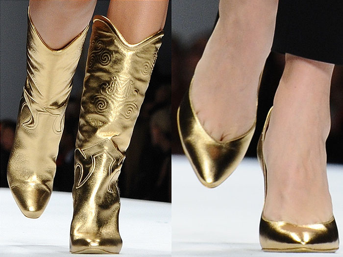 Shoes on the Moschino Spring 2015 runway show
