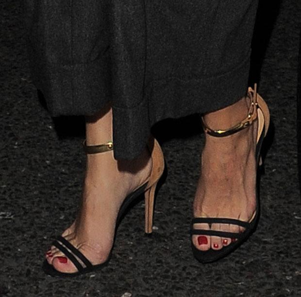 Olivia Palermo's feet inSchutz Celina heels