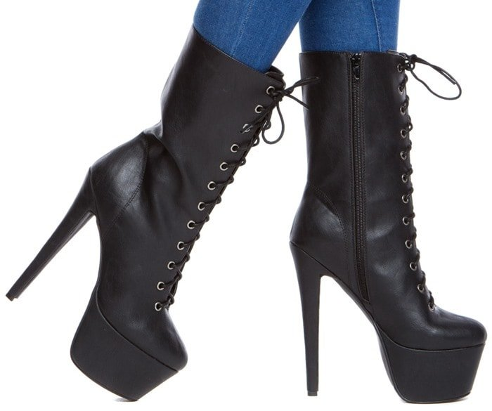"""Victorian-Inspired """"Taellor"""" Boots"""
