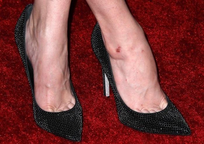 Taryn Manning's feet inLe Silla shoes