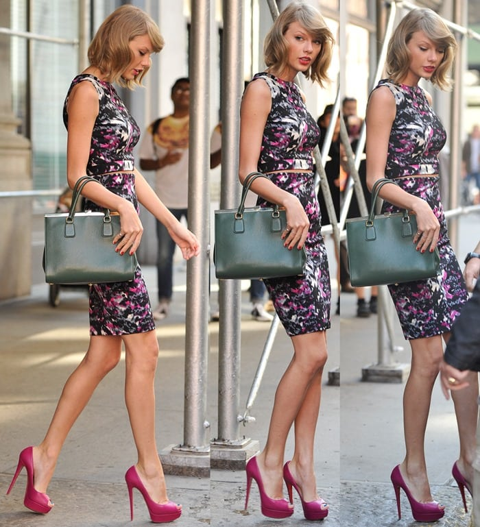 Taylor Swift In AQUA Ensemble And Pink 'Lady Peep' Pumps