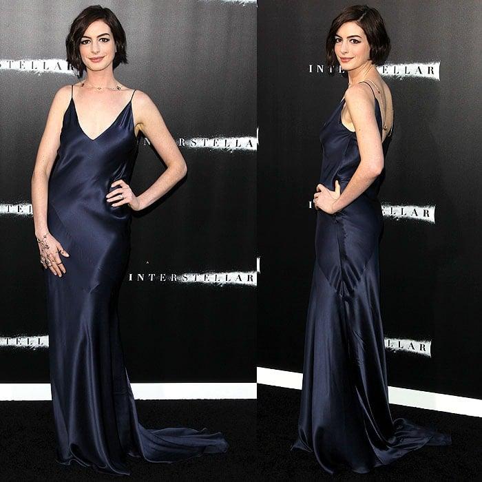 Anne Hathaway Ziegfeld Theatre: Anne Hathaway Wears Stars On Her Hands And At