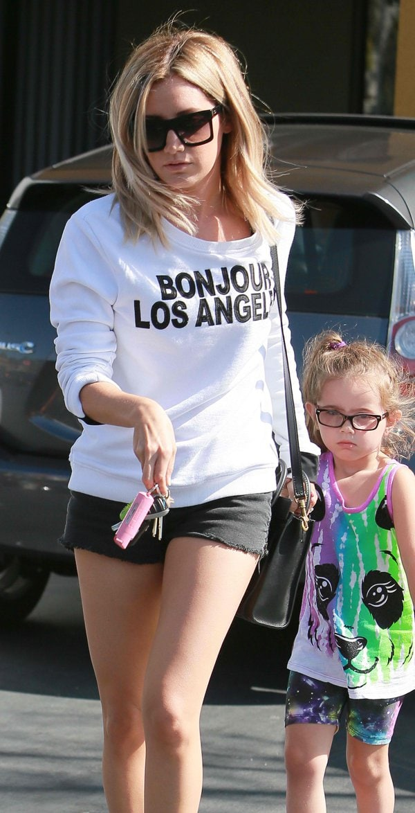 Ashley Tisdale gets a pedicure in Studio city in Los Angeles on June 18, 2014