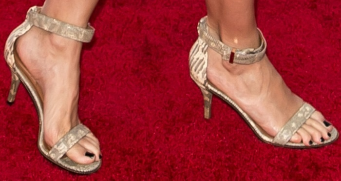 Cameron Diaz showing off her feet in open-toe sandals