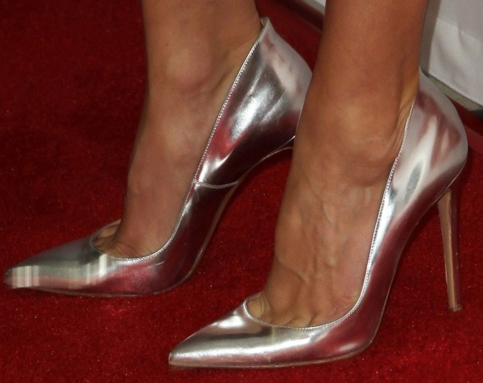 "Hilary Swank showed off her feet in silver-metallic ""Ellipsis"" pumps by Gianvito Rossi"