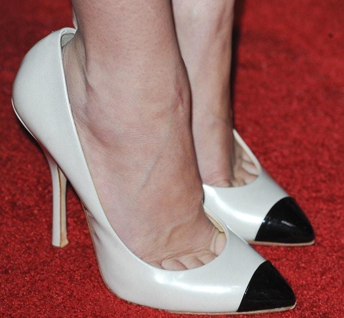 Jena Malone wearing two tone toecap Giuseppe Zanotti pumps