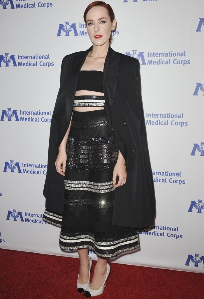 Jena Malone donned a black strapless dress from Reem Acra featuring cutouts and sequin detailing