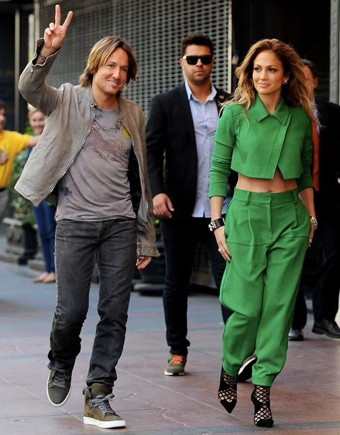 Jennifer Lopez with Keith Urban arrive at the Orpheum Theatre in Los Angeles on October 28, 2014