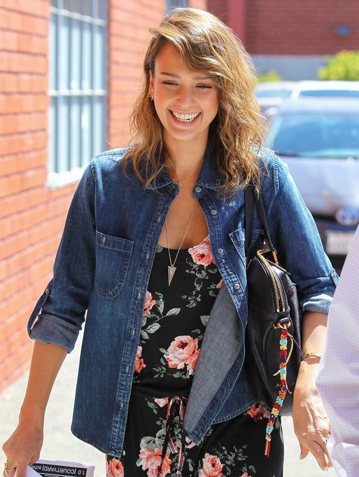 Jessica Alba arriving at an office in Santa Monica, Los Angeles, California on May 15, 2014