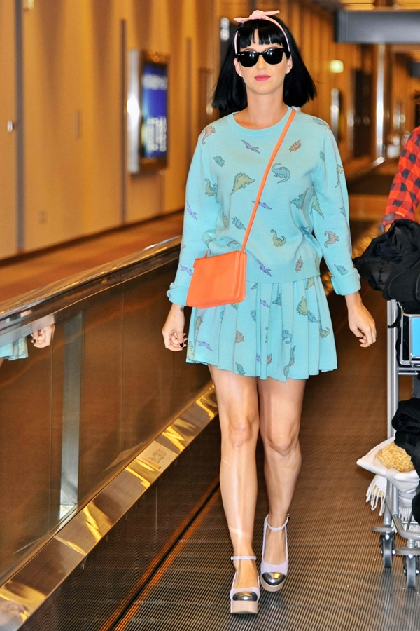 As if Katy Perry didn't command enough attention already, she went ahead and wore arguably the cutest airport outfit we have ever seen