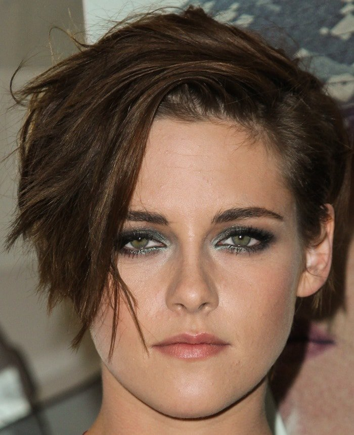 Kristen Stewart showing off her new hairstyle